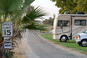 Hauli Huvila motor home and RV parking
